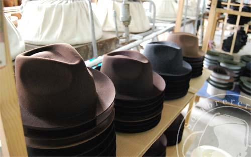 Sombreros en proceso de secado