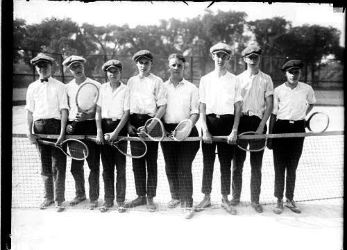 Alimnos de una Escuela de Tenis