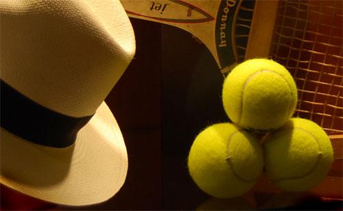 Tenis y Sombreros