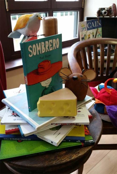 Rincón de Lectura con Sombrero